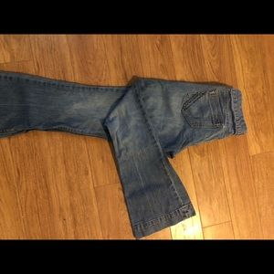 Old Navy The Diva jeans. Size 8.